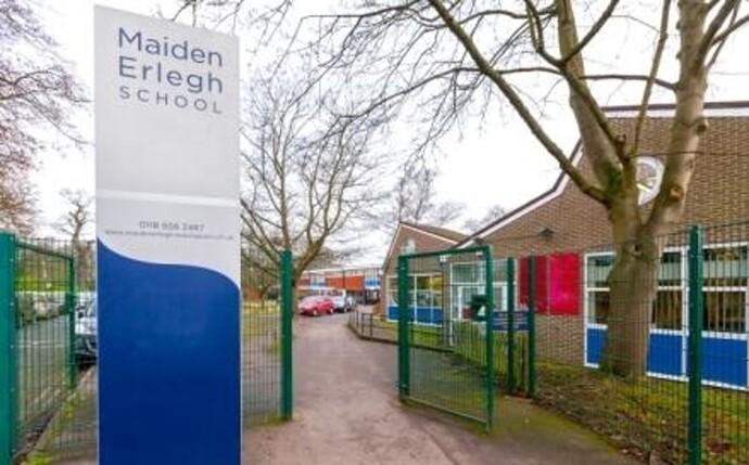 https://www.vaillant.co.uk/images/case-studies/maiden-erlegh-school/maiden-1153661-format-flex-height@690@desktop.jpg