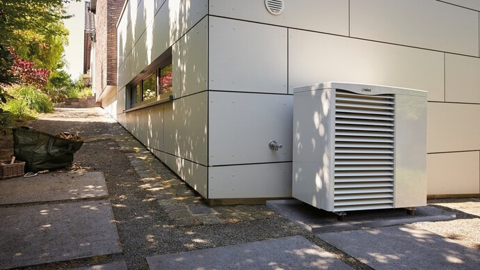 The aroTHERM hybrid heat pump system