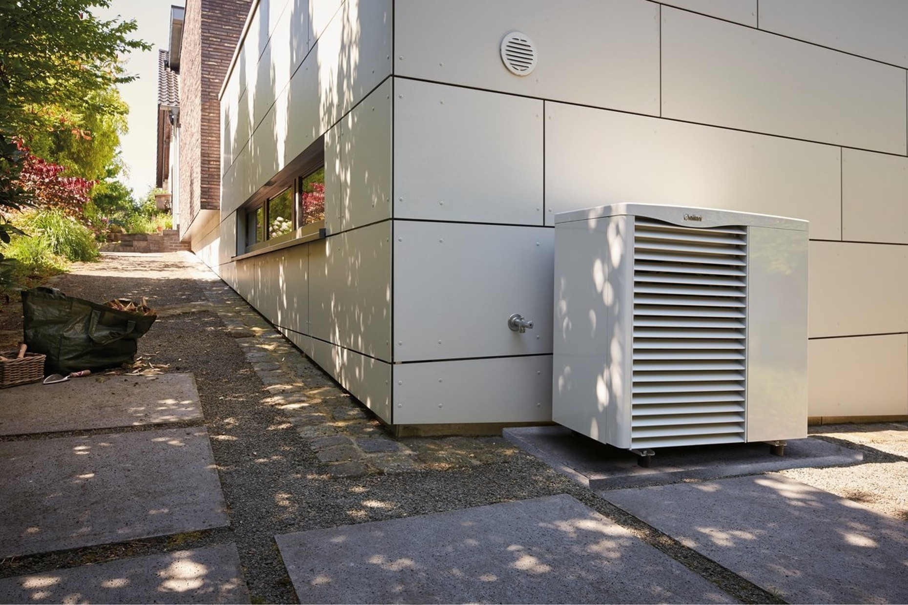 AroTHERM Hybrid Control System | Vaillant