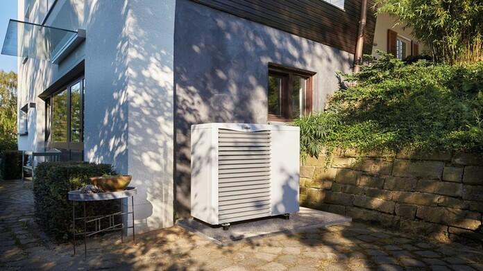 https://www.vaillant.co.uk/images/products/renewables/arotherm-heat-pump/hp16-33819-01-863149-format-16-9@696@desktop.jpg