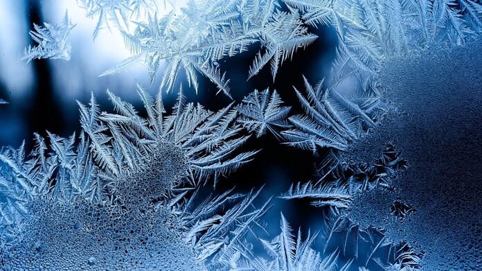 https://www.vaillant.co.uk/images/winter-tips/ice-2-1561346-format-16-9@696@desktop.jpg