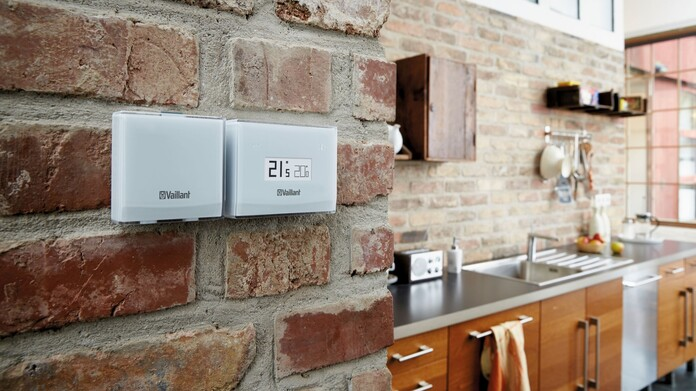//www.vaillant.co.uk/media-master/global-media/vaillant/communication-portfolio/connectivity/pictures/control15-32572-01-554076-format-16-9@696@desktop.jpg